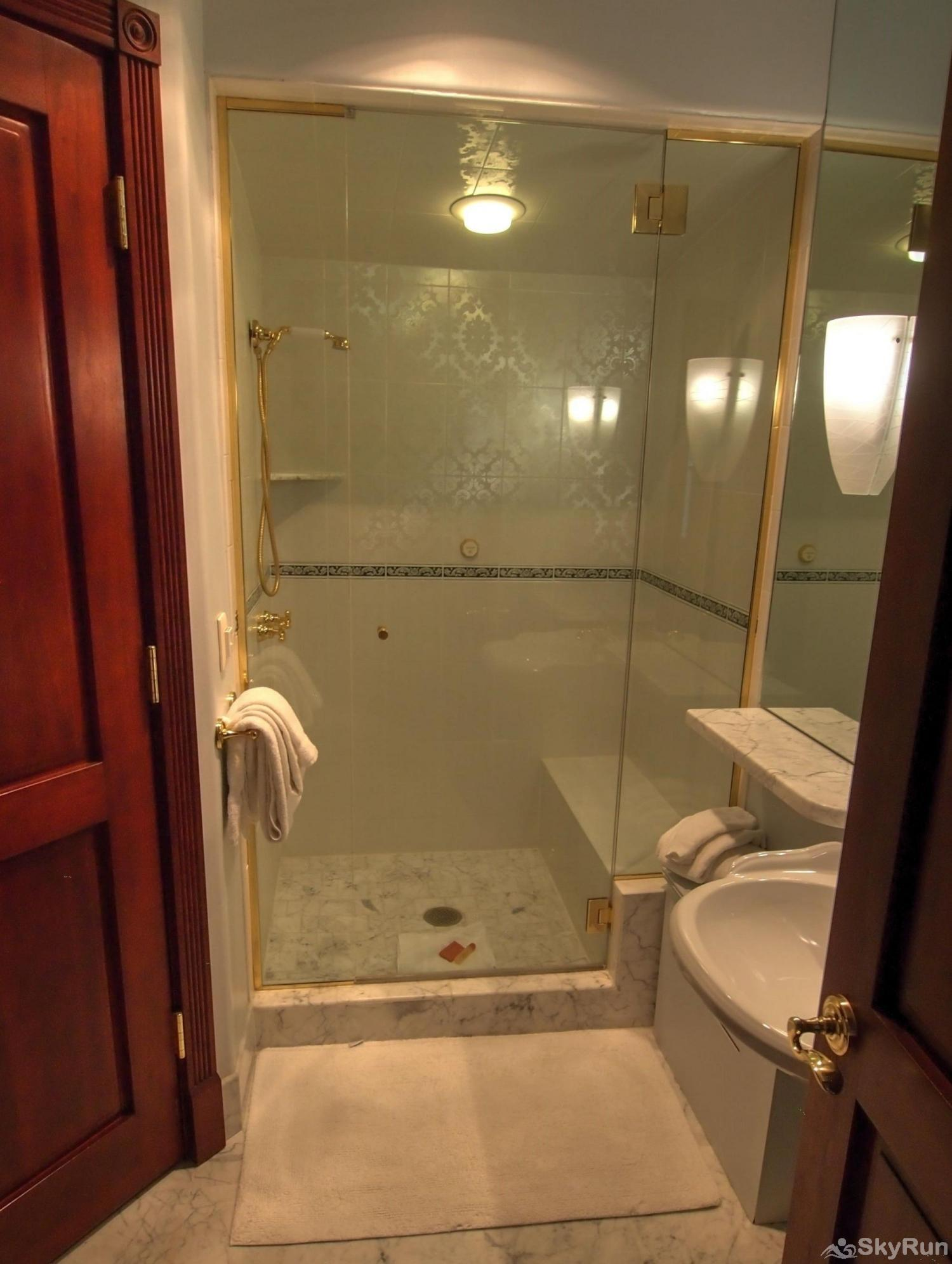 Ballard House 207 3BR 2nd Bathroom